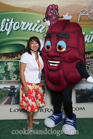 BlogHer '11 with a California Raisin