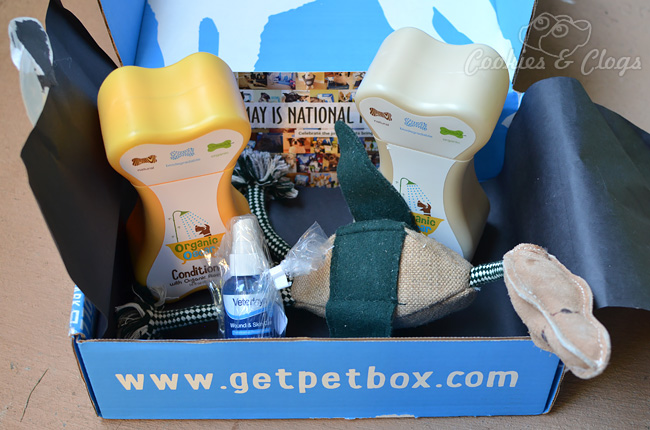 PetBox Review - monthly pet / dog / cat delivery service #Dogs #Cats