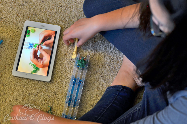 Rainbow Loom charms and bracelets video on Acer Iconia Tab 8 #IntelTablets