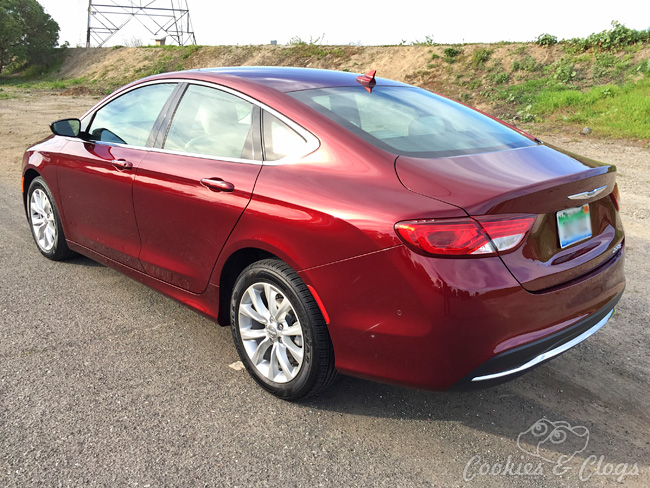 2015 Chrysler 200C Review –  Sedan Car