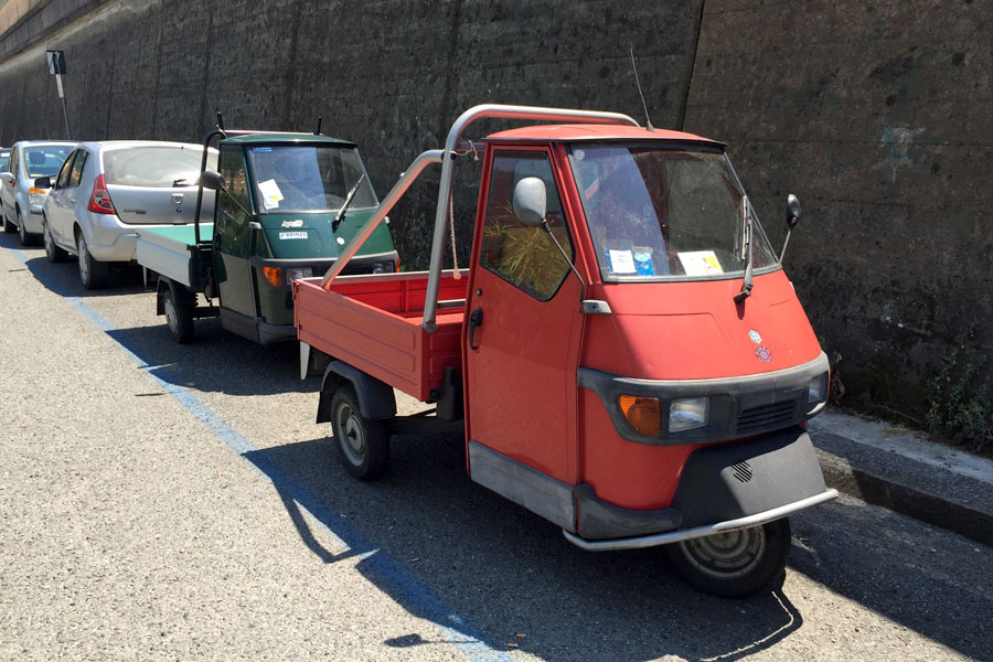 Travel | Travel with Kids | Italy | Travel tips and transportation ideas for visiting Cinque Terre / Cinqueterre in the Tuscany area of Italy. Mini cars