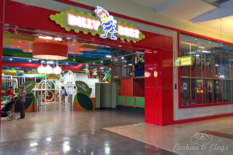 San Francisco Bay Area | Travel | Kids | The new Billy Beez indoor playground is open for families at Westfield Oakridge Mall in San Jose, California. Includes a climbing structures, a mini city for imaginative play for toddlers, cafe certified in dealing with food allergies, and party rooms. Fun for kids and adults / parents.