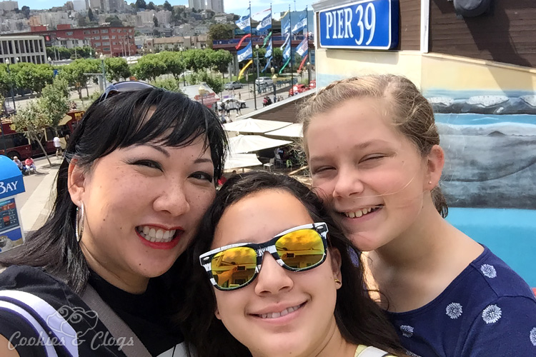 Travel | There are so many things to do with kids (or without) at Pier 39 in San Francisco, CA. Check out the aquarium, RocketBoat, sea lions, and get the Local Advantage discount here.