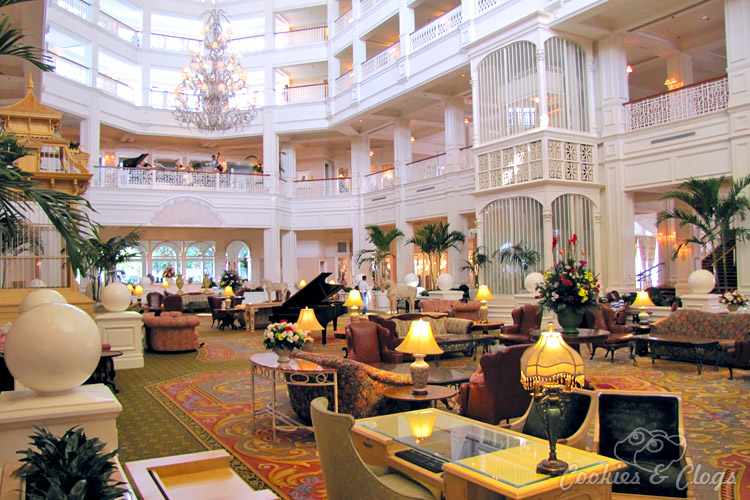 Travel | Hotels | Have you ever wondered if or why you should stay at official Disney Resort Hotels at Walt Disney World Resort in Orlando, Florida? Here are all the reasons you should since the pros FAR outweighs the cons, especially the transportation part. Grand Floridian Hotel.