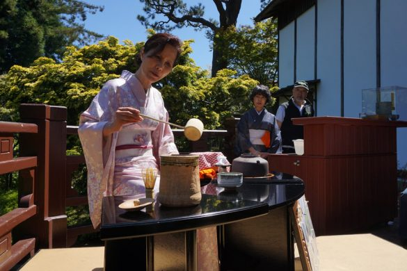 Cookies & Clogs | Travel | Hotels | During the J-POP Summit 2016 event with Mazda, my family and I were able to explore Japantown in San Francisco, CA and some of the Japanese culture. Loved the traditional tea ceremony at the Japanese Tea Garden at Golden Gate Park.