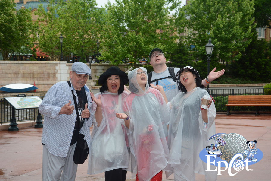 Cookies & Clogs | Travel | If you plan on visiting Walt Disney World, Disney PhotoPass and Memory Maker can make your family vacation even more special. Check out these reasons you'll want to take full advantage of it! Rainy day at Epot
