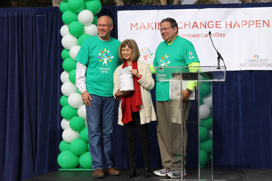 Cookies & Clogs | 2017 Comcast Cares Day at Sutro Elementary in San Francisco, CA + interview with David L. Cohen. Local community project also brings attention to Asian Pacific American Heritage Month. APA Heritage grant