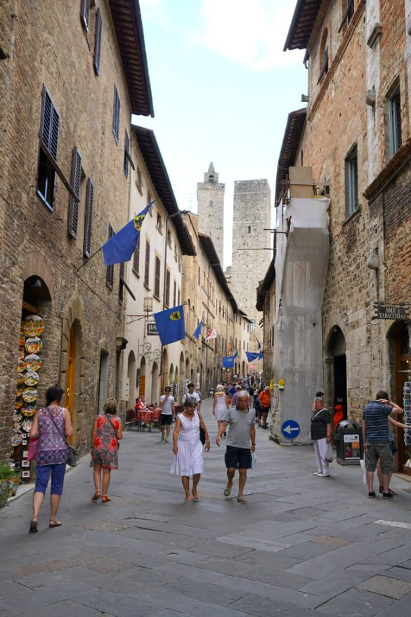 Family travel tips to visiting San Gimignano Italy Shopping, Tourist Info, Photos