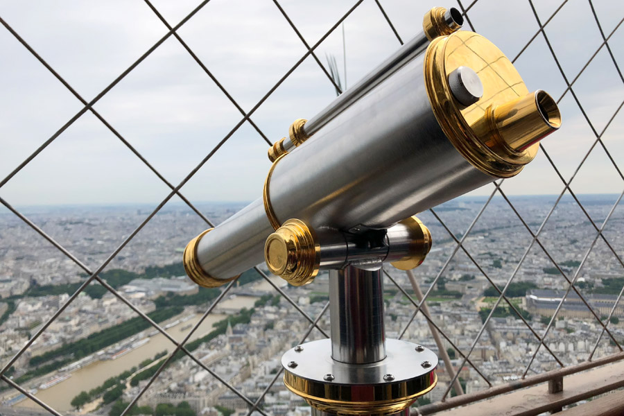 Paris Travel Guide: Top tips for how to visit the top of the Eiffel Tower in Paris France viewer at the top