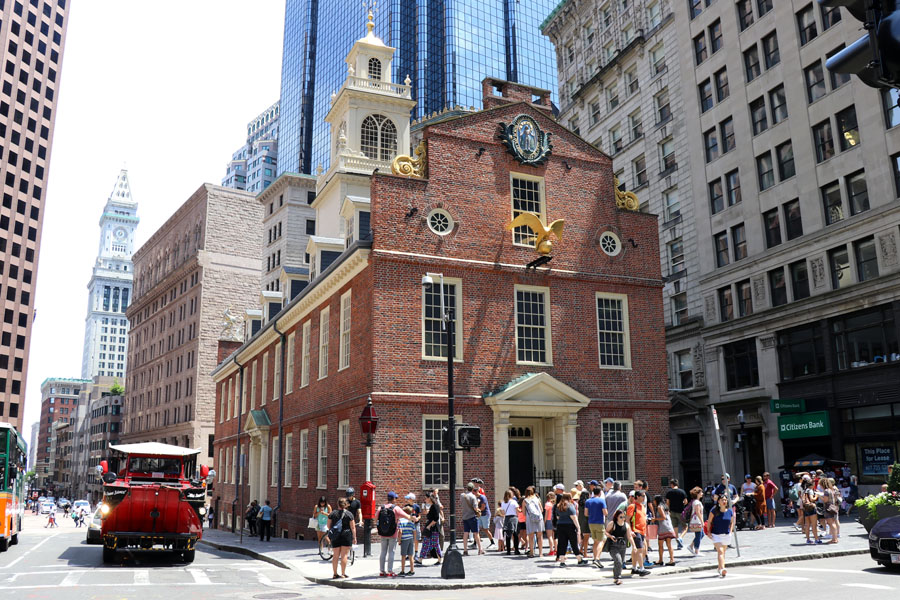 Family travel tips for visiting the Boston Freedom Trail in Boston, Massachusetts with historic sites - Old state house