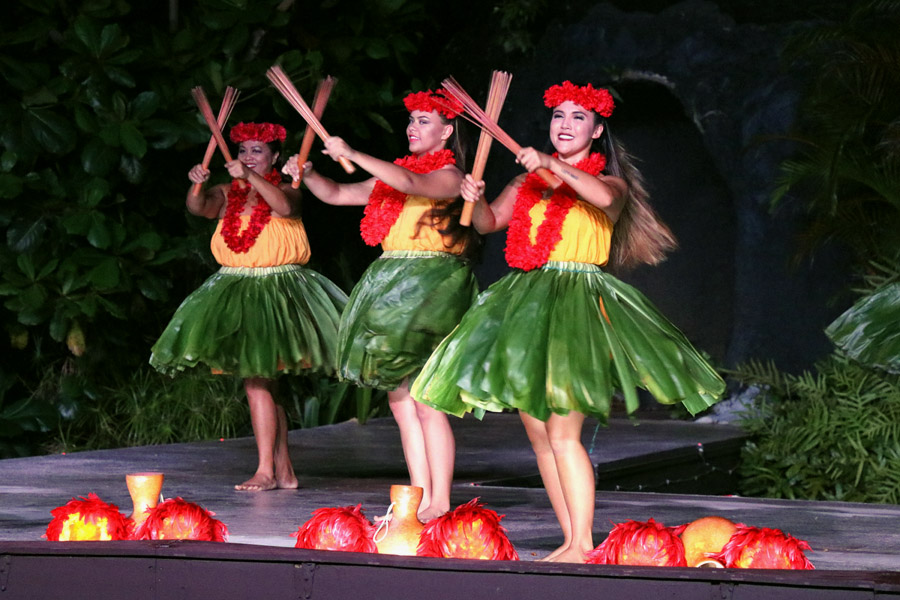 Smith Family Garden Luau / Hawaiian Luau in Kauai Hawaii Rhythm of Aloha hula show hawaiian hula